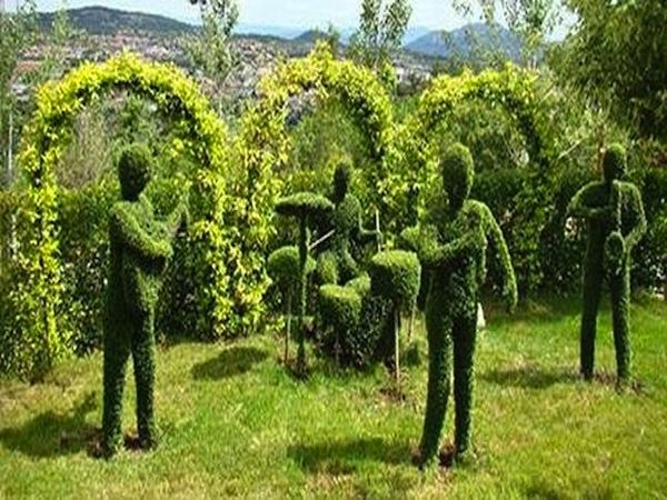 El bosque encantado en san mart n de valdeiglesias madrid for El jardin encantado madrid
