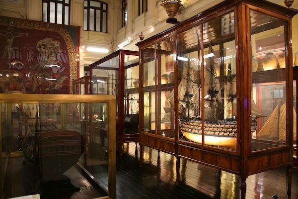 Museo naval madrid - Vitrinas de exposicion ...