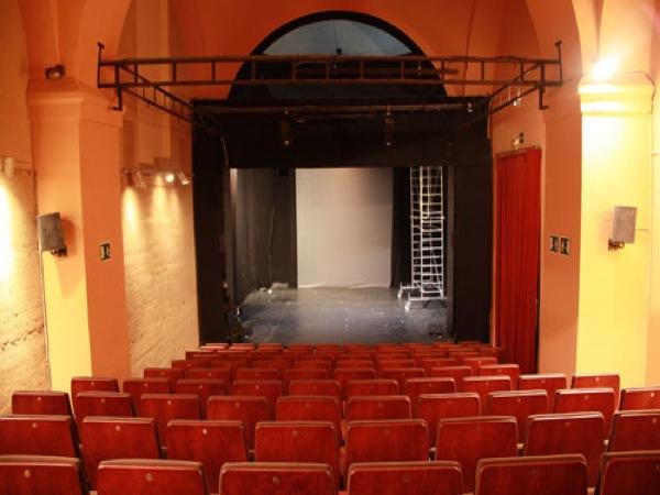 Sala fundici n sevilla for Sala 0 teatro sevilla