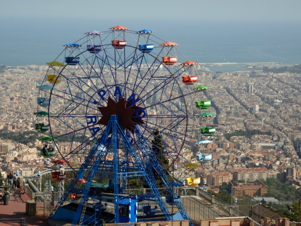 Parque de atracciones del tibidabo barcelona for Parques de barcelona