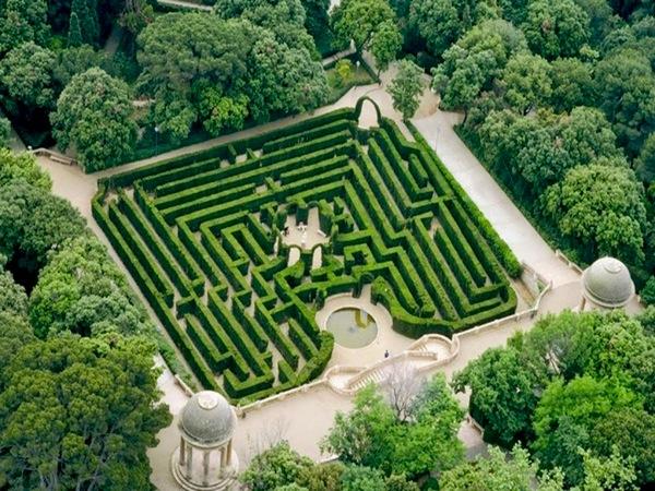 Parque del laberinto de horta barcelona for Como ir al jardin botanico