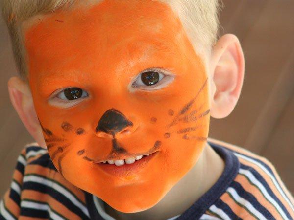Maquillaje de tigre para niños