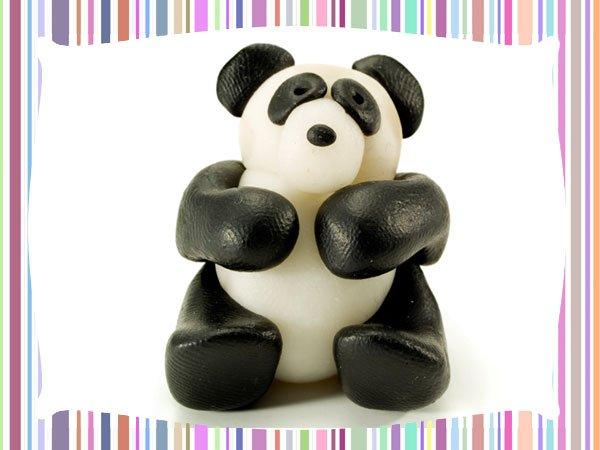 Panda de plastilina. Manualidades para niños