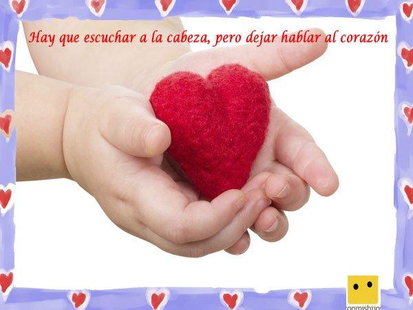 Frases de amor para niños. Imagen de manos con un corazón