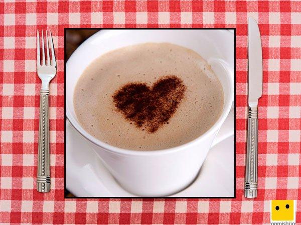 Recetas dulces para niños. Café con leche y corazón de canela