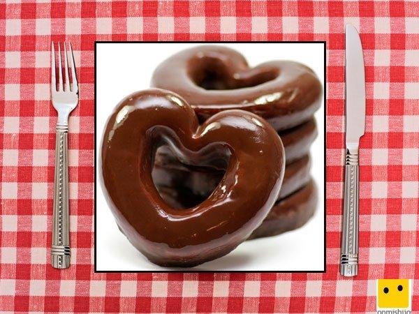 Recetas dulces para niños. Donuts de corazón con chocolate