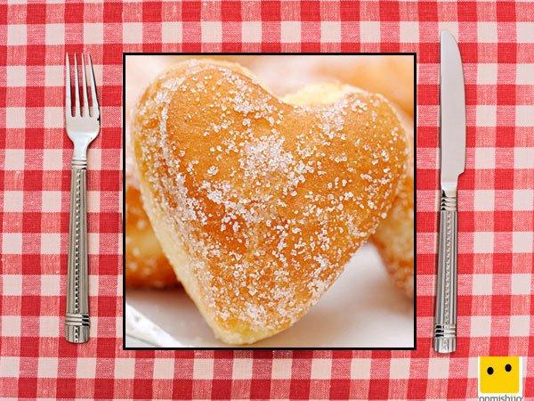 Recetas dulces para niños. Donuts de corazón con azúcar