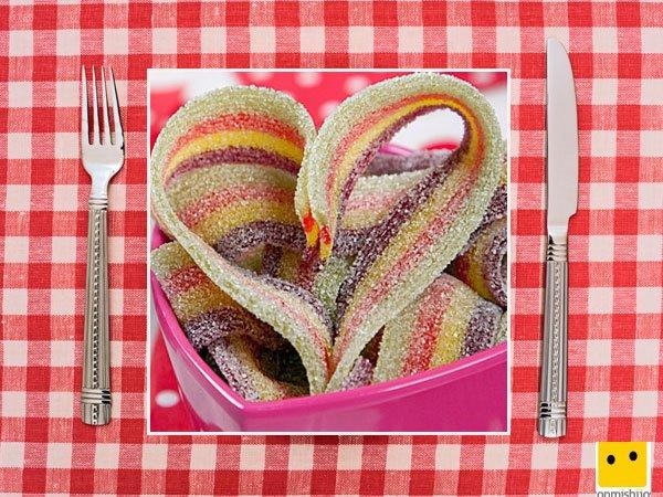 Recetas dulces para niños. Lenguas de gominolas en corazón