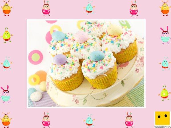 Decoración de muffins de Pascua. Huevos con confeti dulce