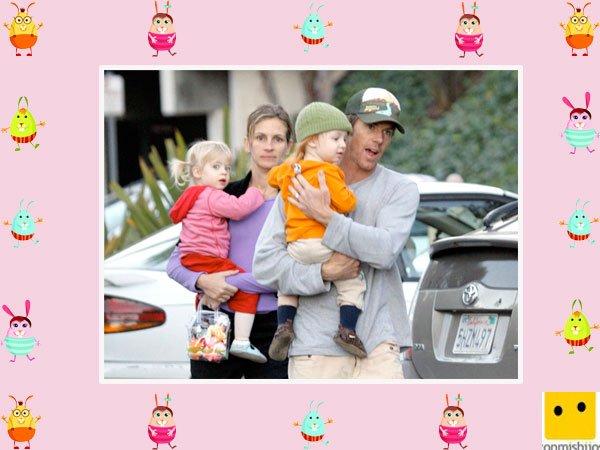 La actriz Julia Roberts pasea con sus hijos mellizos