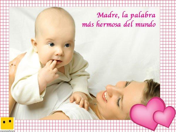 Mamá con su niño. Postales del Día de la Madre