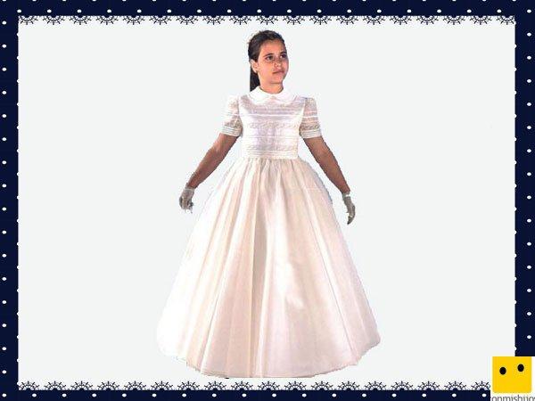 Modelo clásico falda lisa. Vestidos Primera Comunión niñas