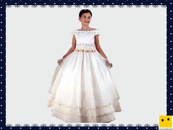 Modelo clásico romántico. Vestidos Primera Comunión niñas