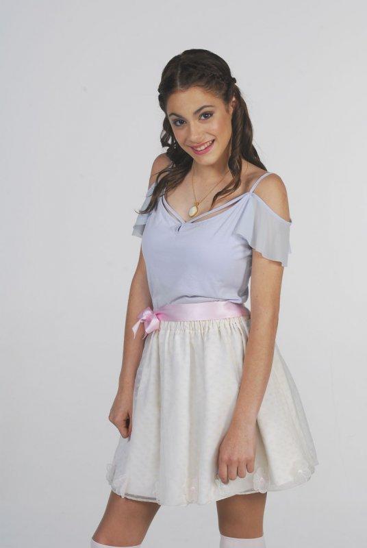 Violetta, la protagonista de la serie más exitosa de Disney Channel