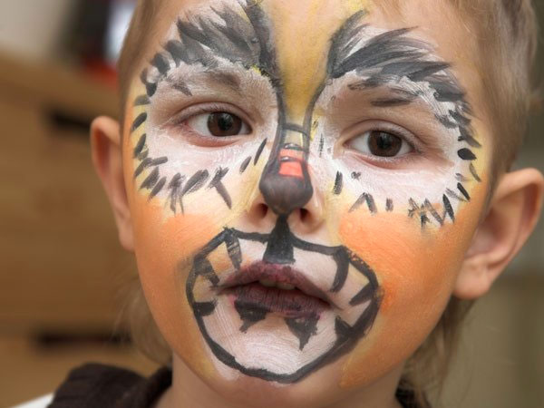 Maquillaje para difrazar a niños