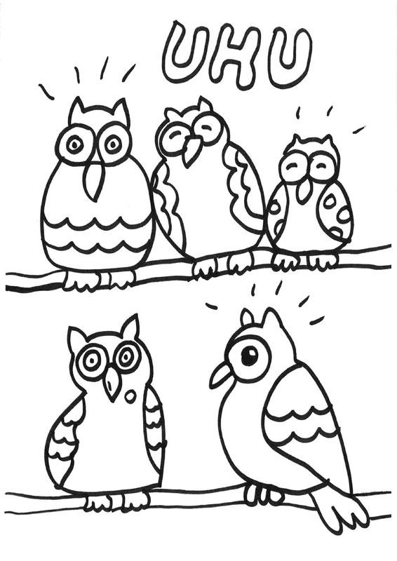 Dibujo para colorear de cinco búhos