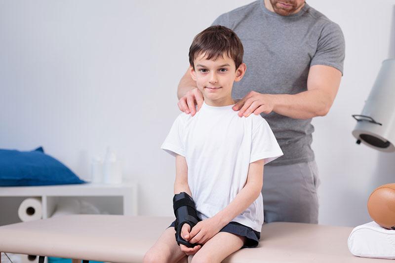 como corregir la postura en los niños