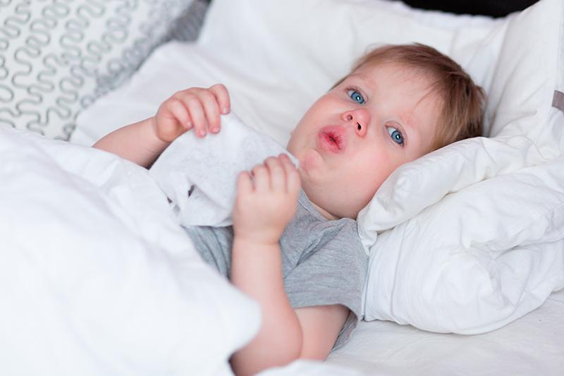 como calmar la tos seca en niños por la noche