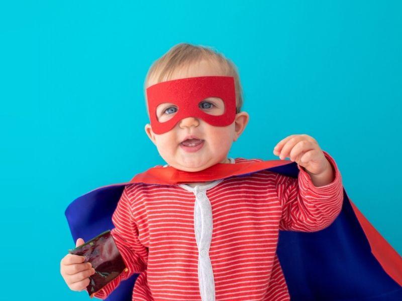 Disfraz casero de superhéroe para bebés