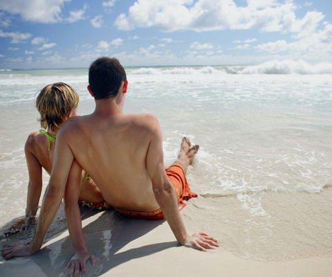 Tarjetas virtuales de amor. Novios en la playa