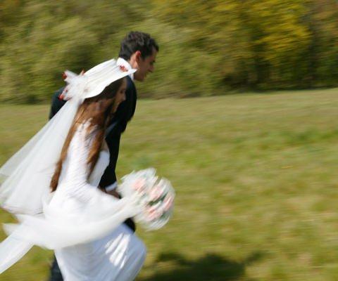 Recién casados, tarjeta de aniversario para felicitar