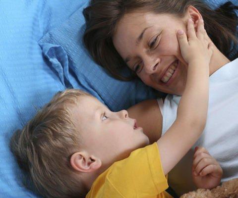 Felicidades mamá. Tarjetas virtuales para niños