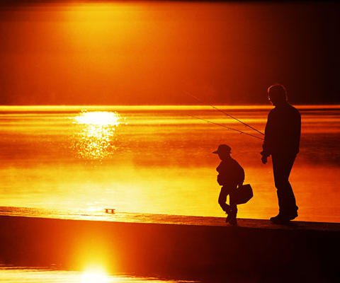 Pescando con papá. Postal virtual gratuita