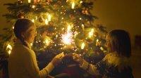 Tarjeta virtual de niños celebrando el Año Nuevo