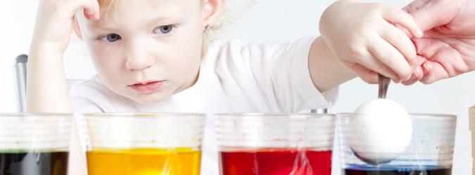 Experimentos con huevos. Ciencia divertida para niños paso a paso