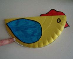 Gallina de cartón. Manualidades de animales para niños