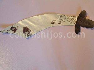 Espada de pirata. Manualidades de disfraces para niños
