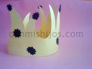 Cómo hacer una corona de Rey Mago para un disfraz infantil