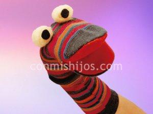 Marioneta calcetín. Una manualidad de reciclaje para niños