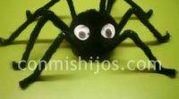 Araña peluda. Manualidades de Halloween para niños