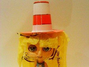 Sombrero de payaso. Manualidades con material reciclado para niños