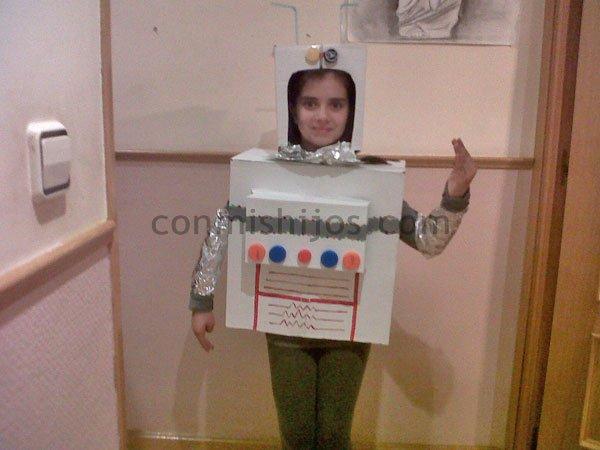 disfraz de robot manualidad de carnaval para ninos