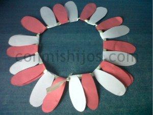 Disfraz de flor. Manualidad de Carnaval para niños