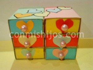 Joyero de cartón. Manualidades de almacenaje para niños