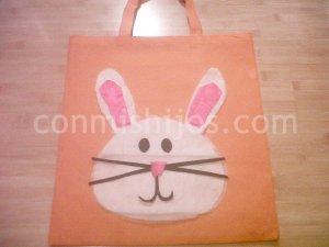 Bolsa de conejo para Pascua. Manualidades infantiles