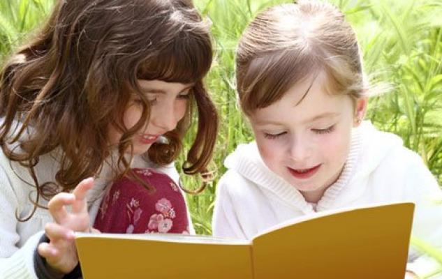 Qué beneficios aporta la lectura a los niños