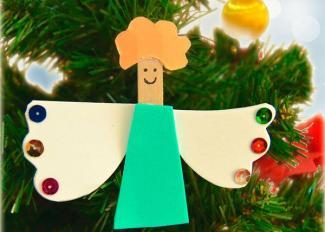Vídeo de manualidad de Navidad. Adorno de ángel con pinzas