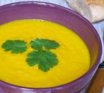 Sopa de zanahoria, miel y jengibre: receta paso a paso