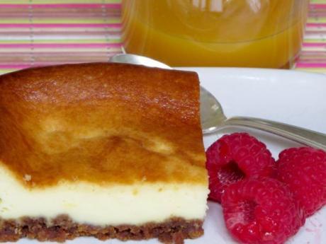 Pastel de queso con galletas. Recetas fáciles para niños