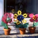 Flores de fantasía. Manualidad infantil para regalos