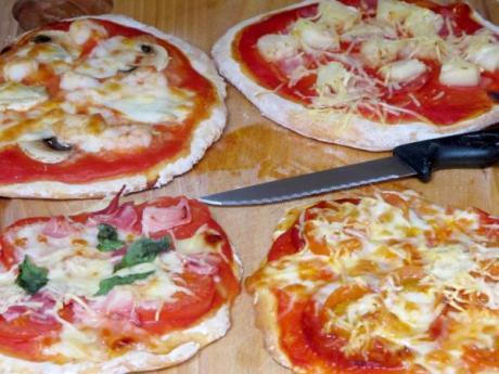 Receta de mini pizzas variadas