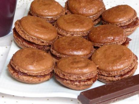 Receta de macarrón de chocolate, pastelito típico francés