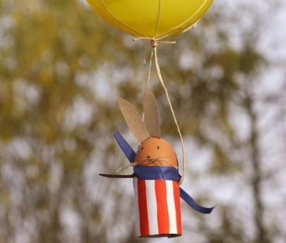 Fabricar un conejo de Pascual volando en globo aerostático