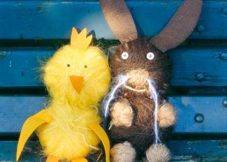 Conejo de Pascua y su amigo el polluelo