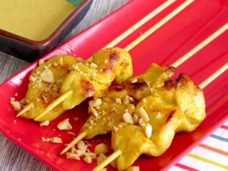 Receta de brochetas de pollo con salsa de cacahuetes