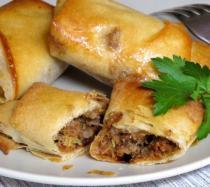 Receta de rollitos de hojaldre rellenos de carne y champiñones